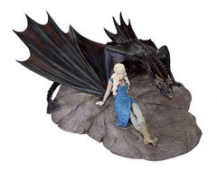Game of Thrones: Daenerys And Drogon Statuette