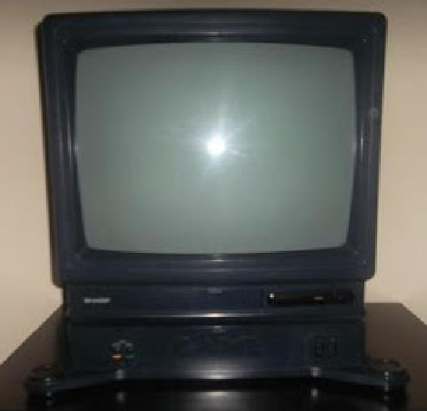 Sharp Nintendo NES TV - Video Games » Nintendo » NES - UGA