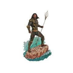 Dc Gallery: Justice League (2017) - Aquaman Pvc Figure