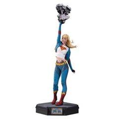 Gotham City Garage - Supergirl Statue